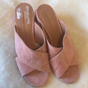 sigerson morrison size 6:5 heel mules pink suede